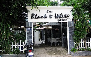 Black & White cafe