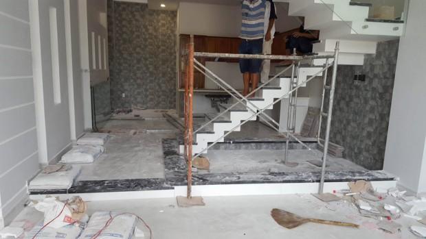 Bề bộn của công trình vệ sinh sau xây dựng