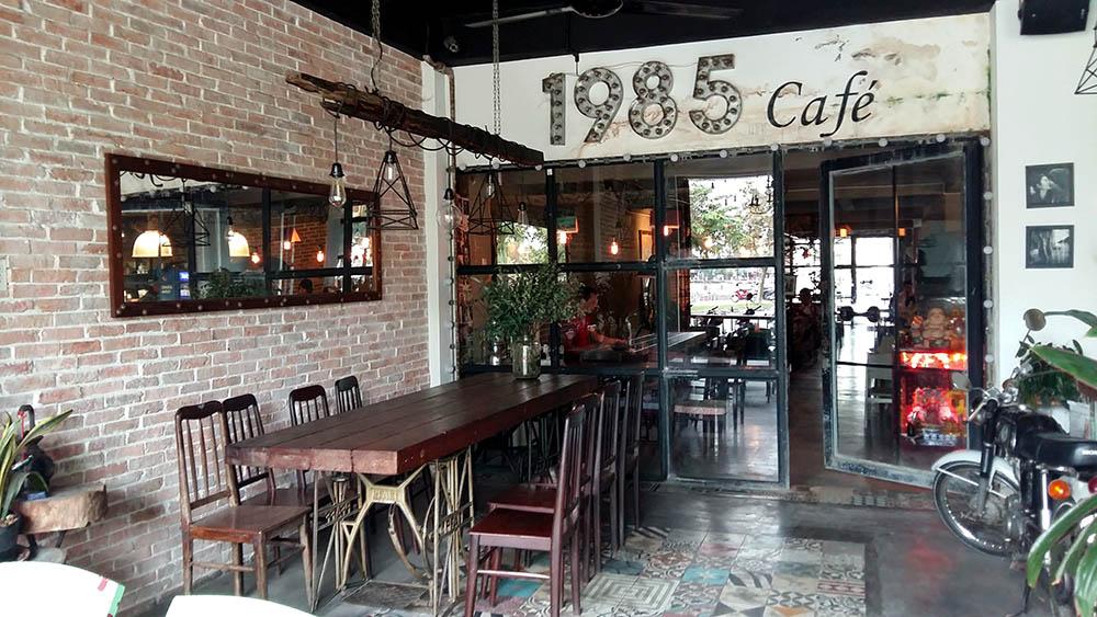 Bày trí hoài cổ của 1985 Café - Cafe độc đáo ở Cần Thơ