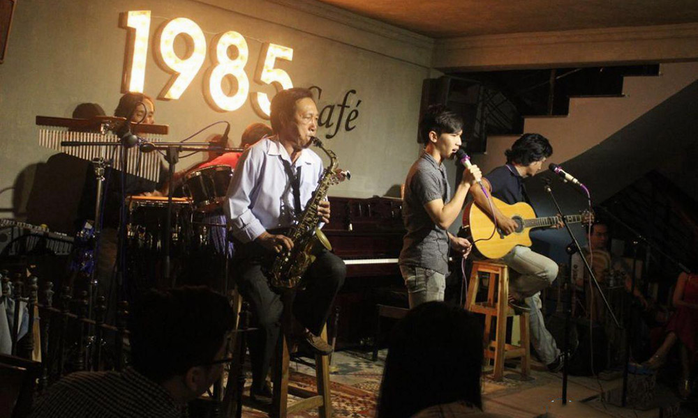 Đêm nhạc aucostic sống động của 1985 Café - Cafe độc đáo ở Cần Thơ