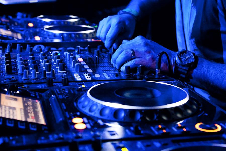 Khóa học DJ Cần Thơ - Đào tạo DJ - Học viện DJ