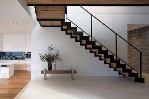 Cầu thang ốp gỗ Cần Thơ
