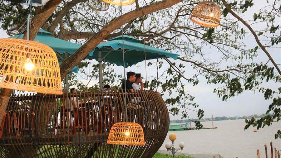 Cafe Sông Thơ