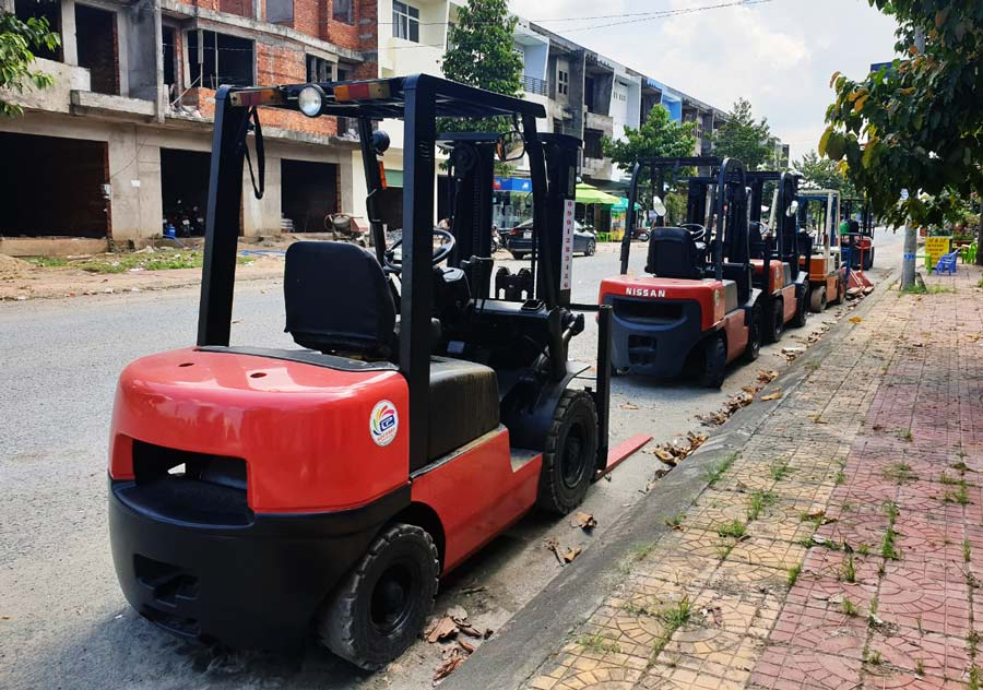 Vận tải Lộc Phát - Chuyên cho thuê xe nâng hàng tại Cần Thơ, Hậu Giang, Vĩnh Long.