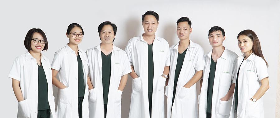 Bác sĩ nha khia