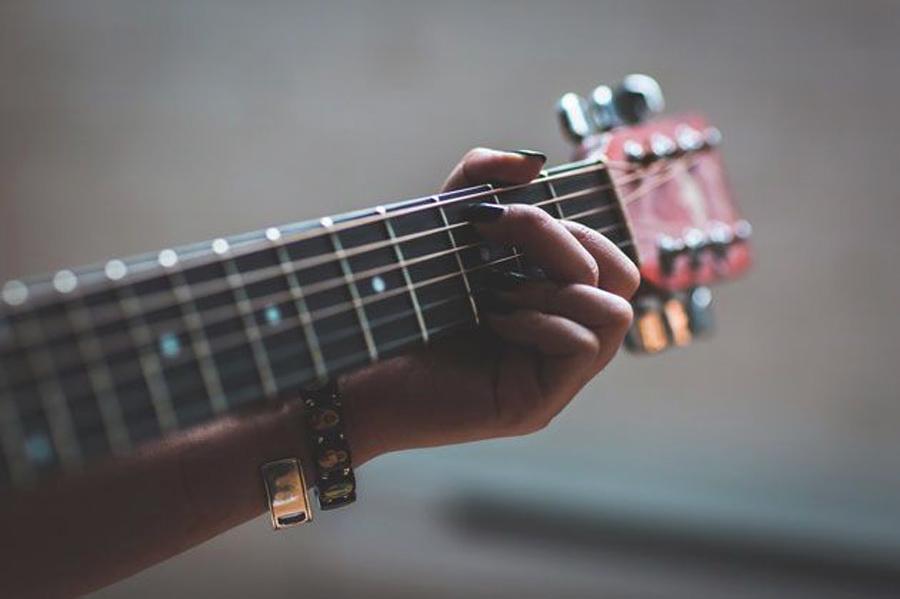 dạy guitar Cần Thơ