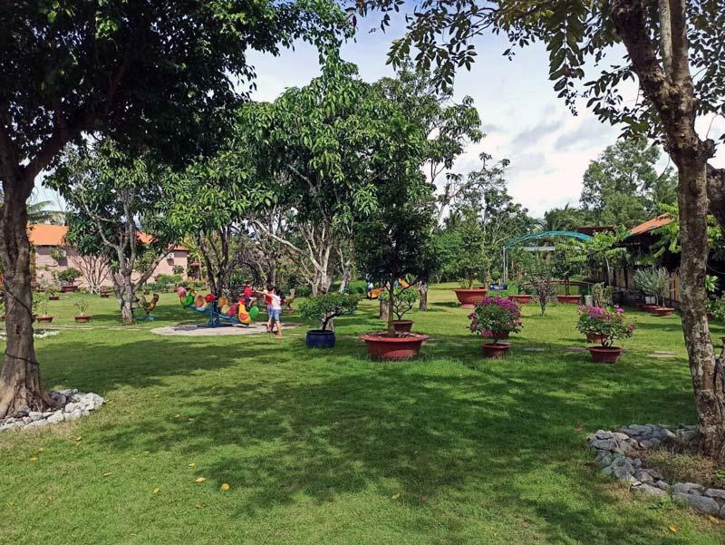 Bãi cỏ khuôn viên Hakia Garden