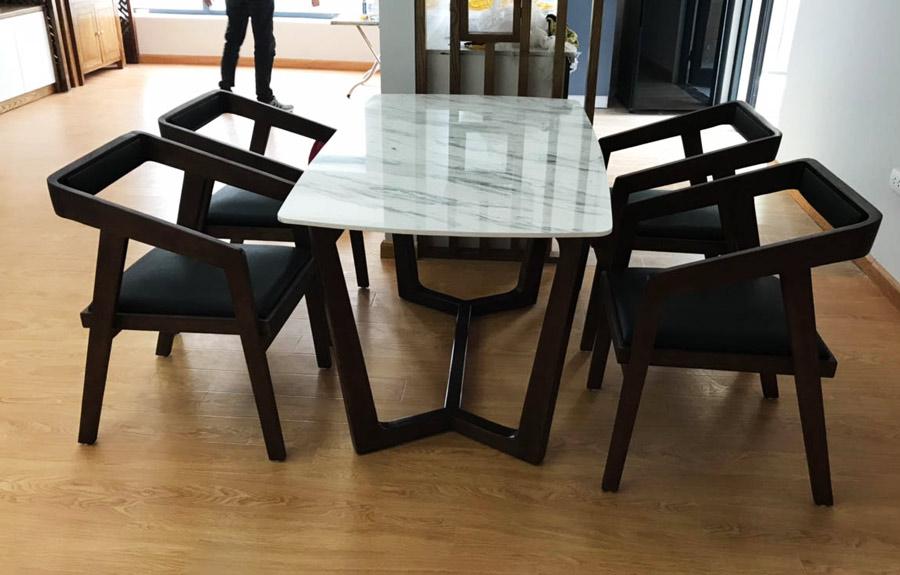 Thiết kế bàn ghế phong cách Katakana rất thích hợp với không gian cafe sang trọng